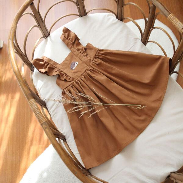 kirpi nakışlı tarçın rengi bebek elbisesi