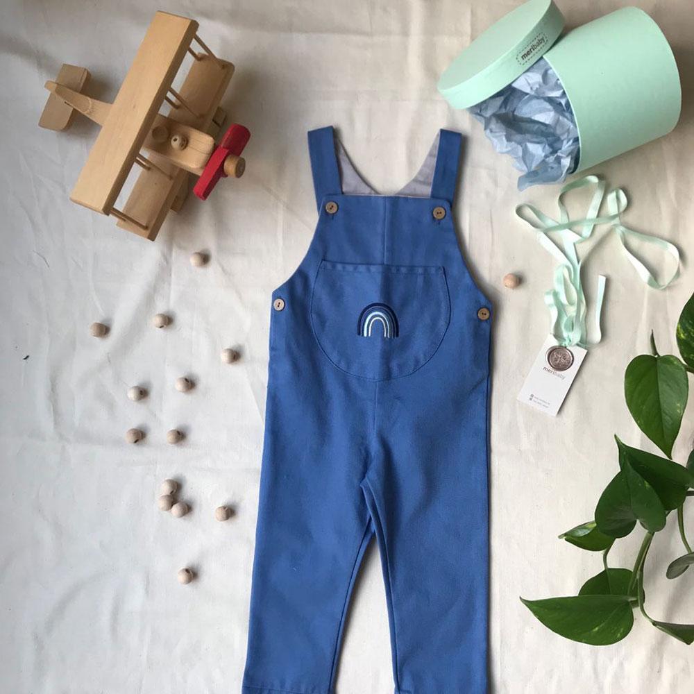 gökkuşağı-desenli-mavi-bebek-salopet