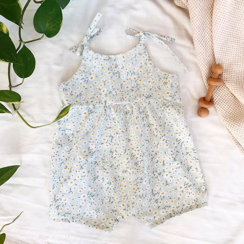 Mint papatya desenli askılı bebek tulumu